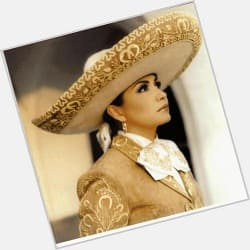 Ver MP3 de Ana Gabriel - El Cigarrillo