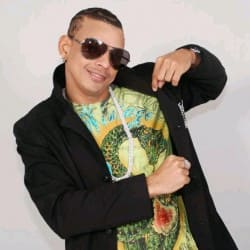 Descargar Musica De Tito Swing - Borracho Y Escandaloso.mp3